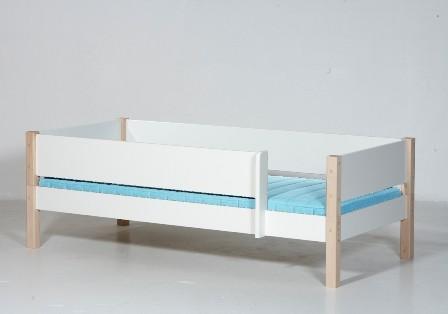 Junior seng, hvid